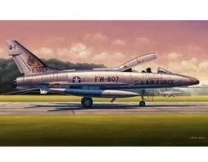 Trumpeter 02840 F-100F Super Sabre