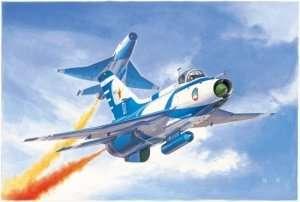 Trumpeter 02862 J-7GB Fighter