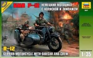 Zvezda 3607 German WWII Sidecar R12 with crew