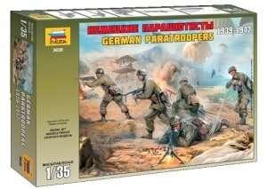 Zvezda 3628 German Paratroopers 1939-1942