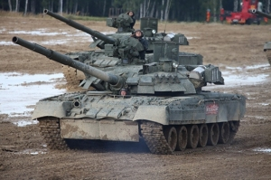 Trumpeter 09579 Czołg T-80UE-1 MBT model 1-35