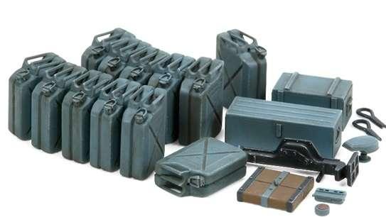 Zestaw niemieckich kanistrów, plastikowy model do sklejania Tamiya 35315 w skali 1/35.-image_Tamiya_35315_1
