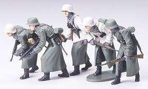 Niemiecka piechota szturmowa, plastikowe figurki do sklejania Tamiya 35256 w skali 1:35.-image_Tamiya_35256_1