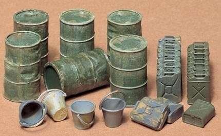 Zestaw beczek, kanistrów i wiader, plastikowe elementy do sklejania Tamiya 35026 w skali 1:35-image_Tamiya_35026_1