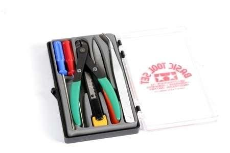 Zestaw podstawowych narzędzi modelarskich (MK816) w plastikowym pudełku.-image_Tamiya_74016_1