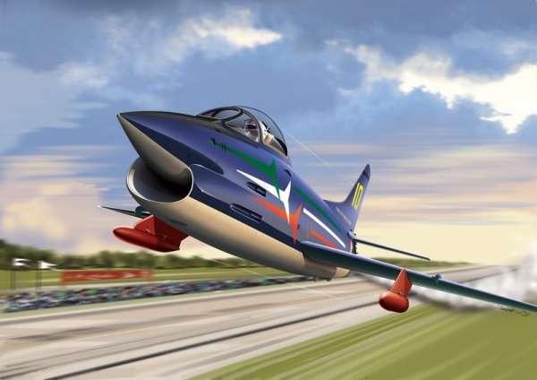 Włoski lekki samolot myśliwsko-szturmowy FIAT G.91 w barwach włoskiej grupy akrobacyjnej