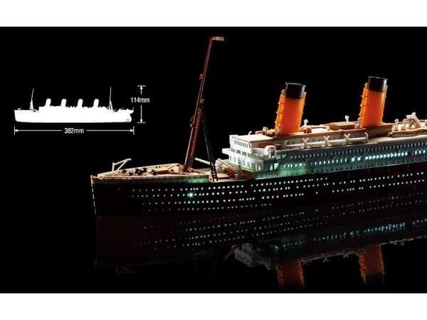 academy_14220_rms_titanic_led_hobby_shop_modeledo_image_4-image_Academy_14220_3