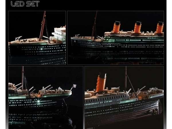 academy_14220_rms_titanic_led_hobby_shop_modeledo_image_3-image_Academy_14220_3