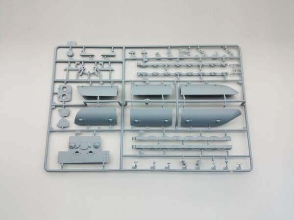 Amusing Hobby 35A016 w skali 1:35 - image i - model Flakpanzer E-100 88 mm Flakzwillig-image_Amusing Hobby_35A016_3