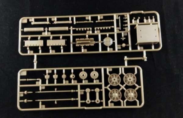 model_do_sklejania_bronco_cb35113_self_propelled_gun_su_152_sklep_modelarski_modeledo_image_8-image_Bronco Models_CB35113_3