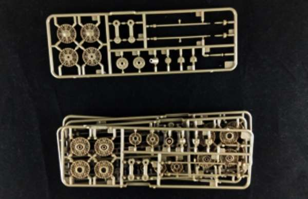 model_do_sklejania_bronco_cb35113_self_propelled_gun_su_152_sklep_modelarski_modeledo_image_9-image_Bronco Models_CB35113_3