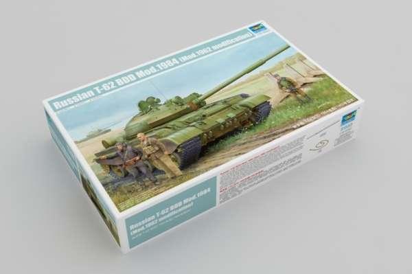 Model czołgu T-62 w skali 1:35 do sklejania, Trumpeter 01553_image_1-image_Trumpeter_01553_3