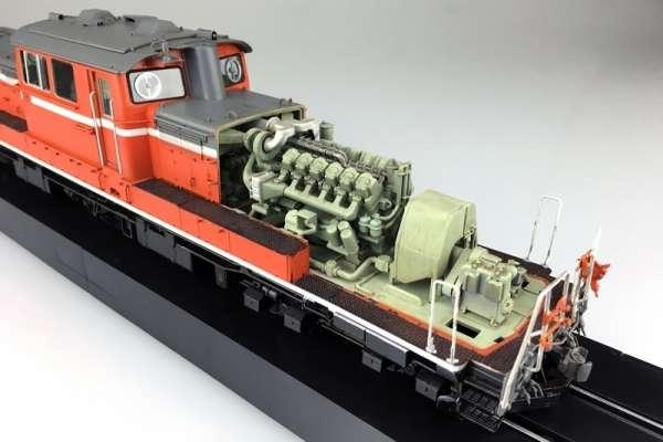 aoshima_00999_diesel_locomotive_dd51_standard_type_shop_modeledo_image_4-image_Aoshima_00999_3