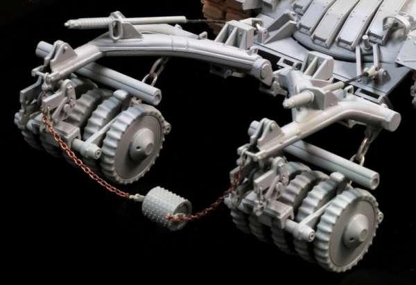 plastikowy-model-czolgu-magach-5-z-tralem-przeciwminowym-sklep-modelarski-modeledo-image_Dragon_3618_2