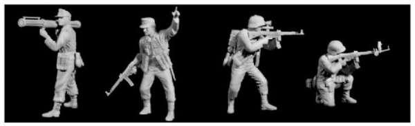 Zestaw figurek będących w komplecie z modelem czołgu E-100 / Dragon 6011x-image_Dragon_6011x_3