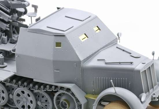 Model Dragon 6533 Sd.Kfz.7-1 2cm Flakvierling 38 with Armor Cab -image6-dra6533-image_Dragon_6533_3