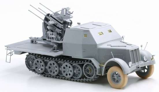 Model Dragon 6533 Sd.Kfz.7-1 2cm Flakvierling 38 with Armor Cab -image3-dra6533-image_Dragon_6533_3