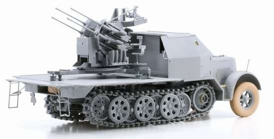 Model Dragon 6533 Sd.Kfz.7-1 2cm Flakvierling 38 with Armor Cab -image5-dra6533-image_Dragon_6533_3