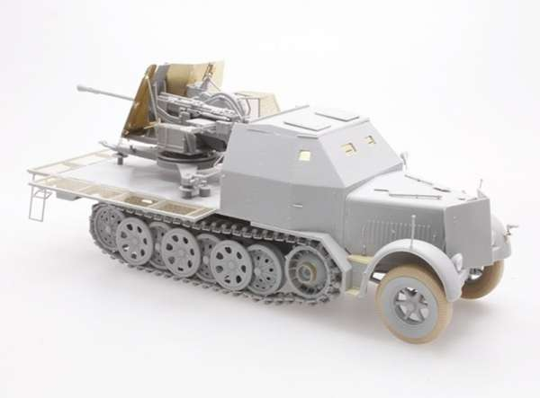 German 3.7cm Flak 43 auf Sd.Kfz.7/2 model Dragon 6553 do sklejnaia w skali_1_35_image_2-image_Dragon_6553_3