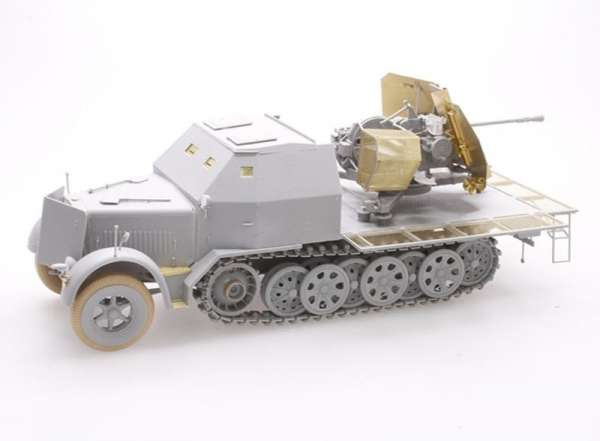 German 3.7cm Flak 43 auf Sd.Kfz.7/2 model Dragon 6553 do sklejnaia w skali_1_35_image_1-image_Dragon_6553_3