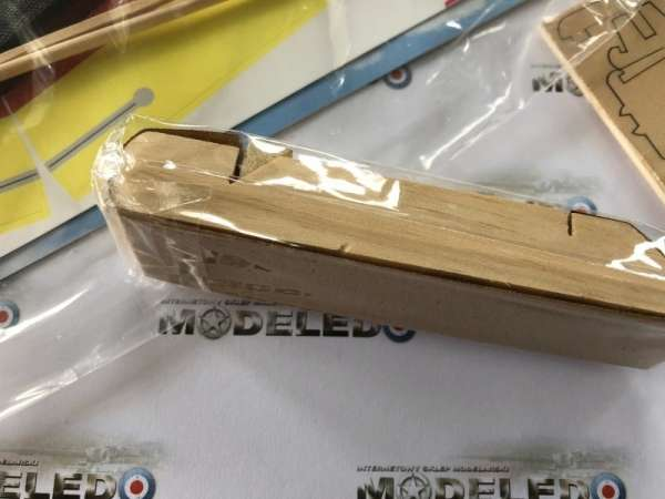 drewniany-model-zaglowki-hobie-cat-do-sklejania-sklep-modeledo-image_Artesania Latina drewniane modele statków_30502_6