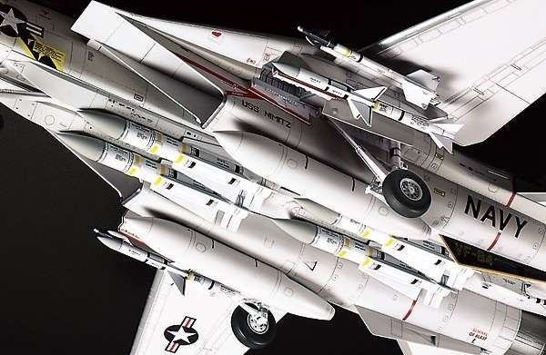 Myśliwiec Grumman F-14A Tomcat model do sklejania w skali 1:48, model Tamiya 61114_image_16-image_Tamiya_61114_4