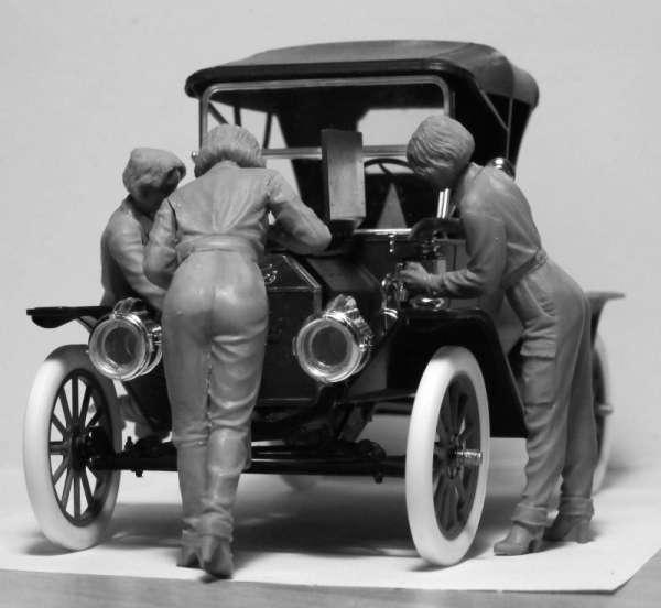 ICM 24009 w skali 1:24 - American Mechanics 1910s - image f-image_ICM_24009_3