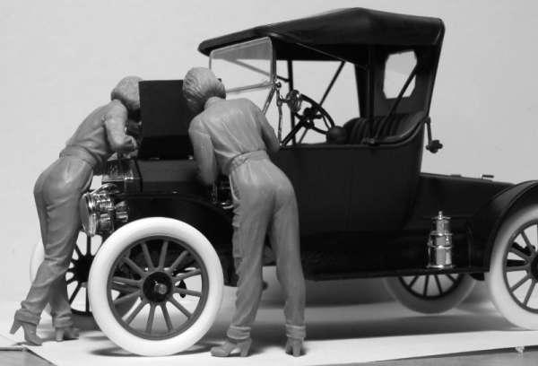 ICM 24009 w skali 1:24 - American Mechanics 1910s - image e-image_ICM_24009_3