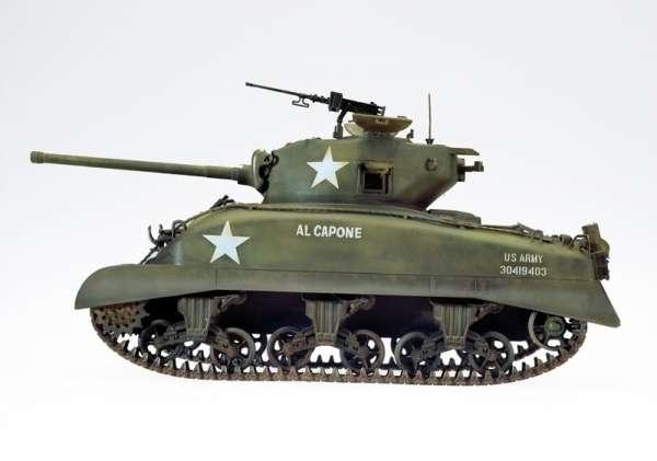 Italeri_0225_US_Tank_M4A1_Sherman_hobby_shop_modeledo.pl_image_4-image_Italeri_0225_3