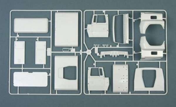 plastikowy-model-ciezarowki-holownika-do-sklejania-sklep-modelarski-modeledo-image_Italeri_3825_8