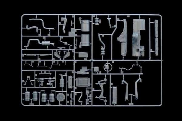 plastikowy-model-ciezarowki-volvo-fh-16-520-sleeper-cab-do-sklejania-sklep-modeledo-image_Italeri_3907_9