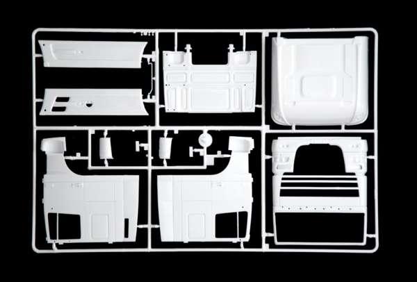 Truck model Daf XF105 Smoky jr. oferta_sklepu_modelarskiego_modeledo_model_do_sklejania_italeri_3917_image_7-image_Italeri_3917_7