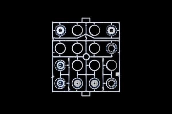 plastikowy-model-ciezarowki-iveco-turbostar-sklep-modelarski-modeledo-image_Italeri_3939_11