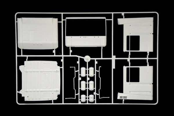 plastikowy-model-ciezarowki-renault-ae500-magnum-do-sklejania-sklep-modelarski-modeledo-image_Italeri_3941_5