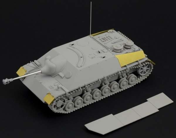 model_do_sklejania_sdkfz_162_jagdpanzer_iv_italeri_6488_sklep_modelarski_modeledo_image_2-image_Italeri_6488_1