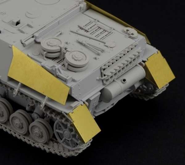 model_do_sklejania_sdkfz_162_jagdpanzer_iv_italeri_6488_sklep_modelarski_modeledo_image_4-image_Italeri_6488_1