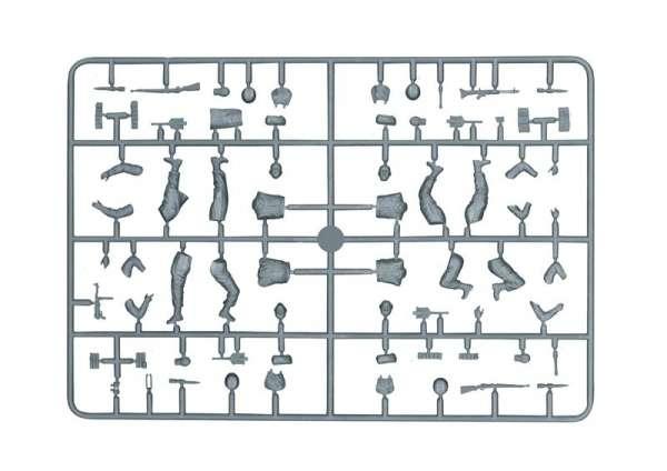model-do-sklejania-ciagnika-artyleryjskiego-sdkfz-10-demag-d7-oraz-figurki-sklep-modeledo-image_Italeri_6561_6