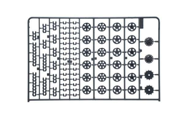 model-do-sklejania-ciagnika-artyleryjskiego-sdkfz-10-demag-d7-oraz-figurki-sklep-modeledo-image_Italeri_6561_10