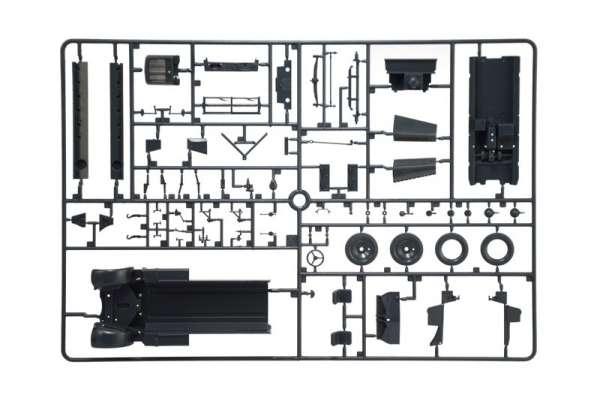 model-do-sklejania-ciagnika-artyleryjskiego-sdkfz-10-demag-d7-oraz-figurki-sklep-modeledo-image_Italeri_6561_7