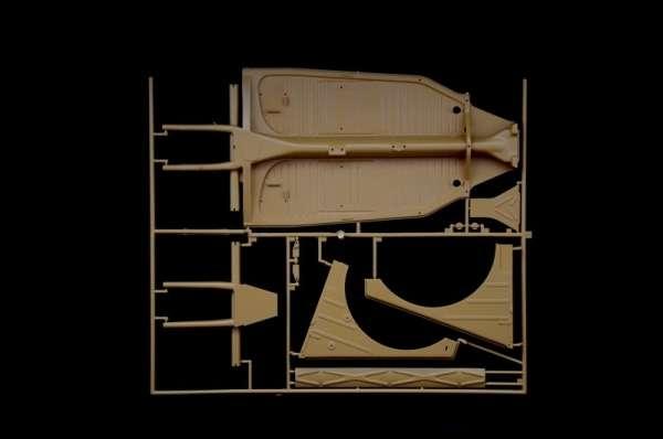 plastikowy-model-samochodu-kdf-1-typ-82-kubelwagen-sklep-modelarski-modeledo-image_Italeri_7405_14