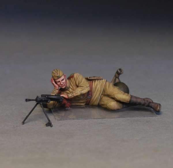 MiniArt 35233 w skali 1:35 - figurki Soviet soldiers taking a break do sklejania - image o-image_MiniArt_35233_3