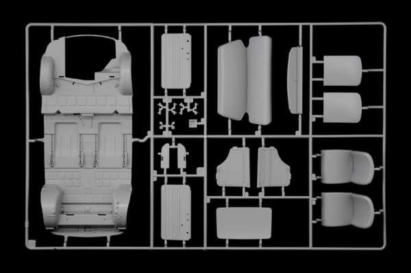 plastikowy_model_do_sklejania_italeri_4703_fiat_500f_1968_image_18-image_Italeri_4703_3
