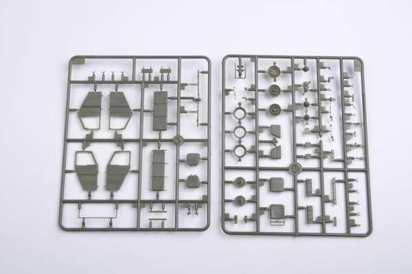 plastikowy-model-do-sklejania-uaz-469-sklep-modelarski-modeledo-image_Trumpeter_02327_7