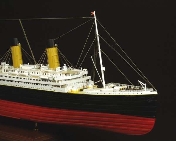 drewniany-model-do-sklejania-statku-rms-titanic-sklep-modeledo-image_Amati - drewniane modele okrętów_1606_39