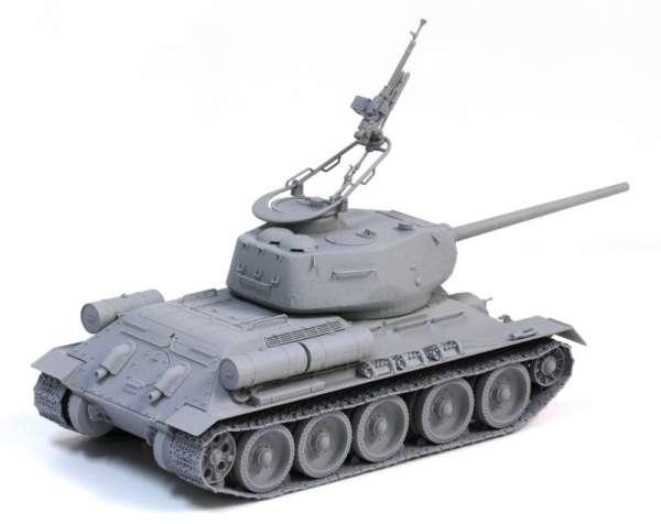 Model Dragon 3571 w skali 1:35 - Tank T-34/85 - image b -image_Dragon_3571_3