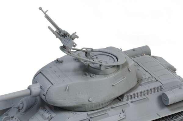 Model Dragon 3571 w skali 1:35 - Tank T-34/85 - image bd-image_Dragon_3571_3