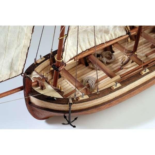 drewniany-model-do-sklejania-szalupy-hms-endeavour-sklep-modeledo-image_Artesania Latina drewniane modele statków_19015_2