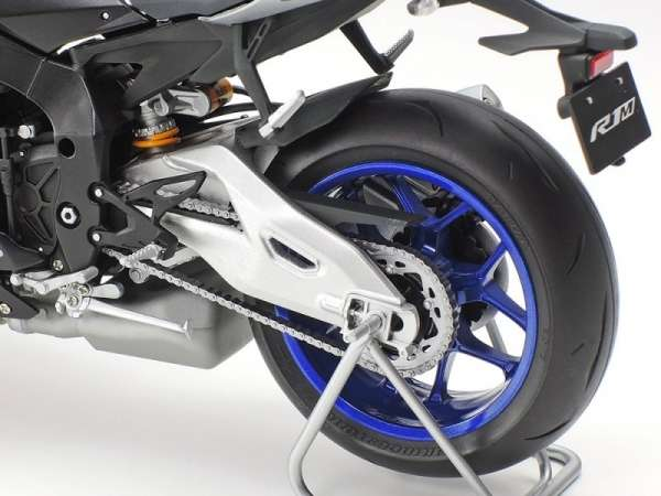 plastikowy-model-do-sklejania-motocykla-yamaha-yzf-r1m-sklep-modeledo-image_Tamiya_14133_6