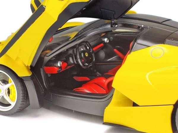 plastikowy-model-do-sklejania-samochodu-laferrari-yellow-version-sklep-modeledo-image_Tamiya_24347_6