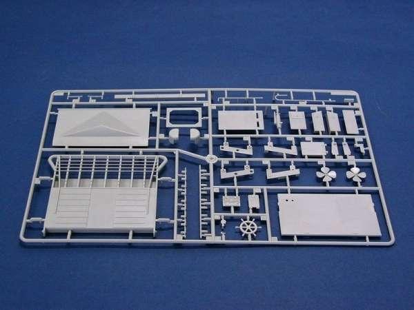 plastikowy-model-do-sklejania-barki-desantowej-lcm-3-sklep-modelarski-modeledo-image_Trumpeter_00347_14